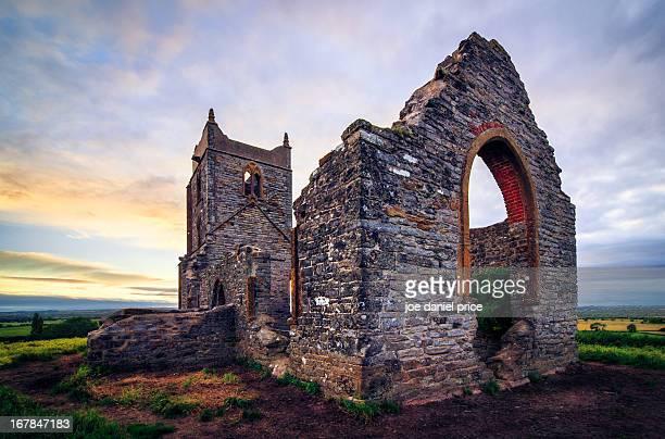 burrow mump, burrowbridge, tauntom, somerset, uk - taunton stock pictures, royalty-free photos & images