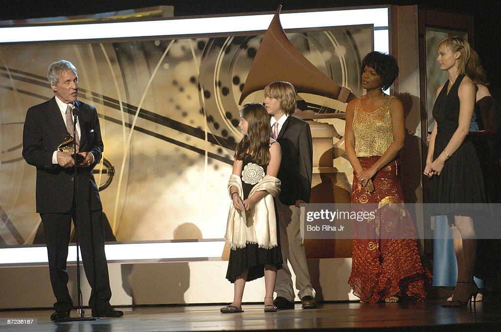 The 48th Annual GRAMMY Awards - Pre-Telecast - Show : News Photo