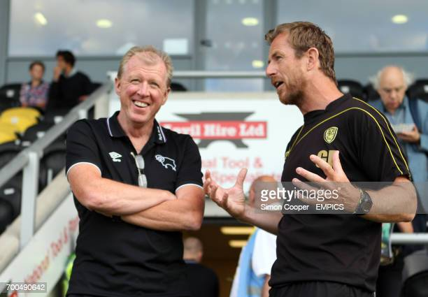 Burton Albion manager Gary Rowett and Derby County manager Steve McLaren prior to kick off