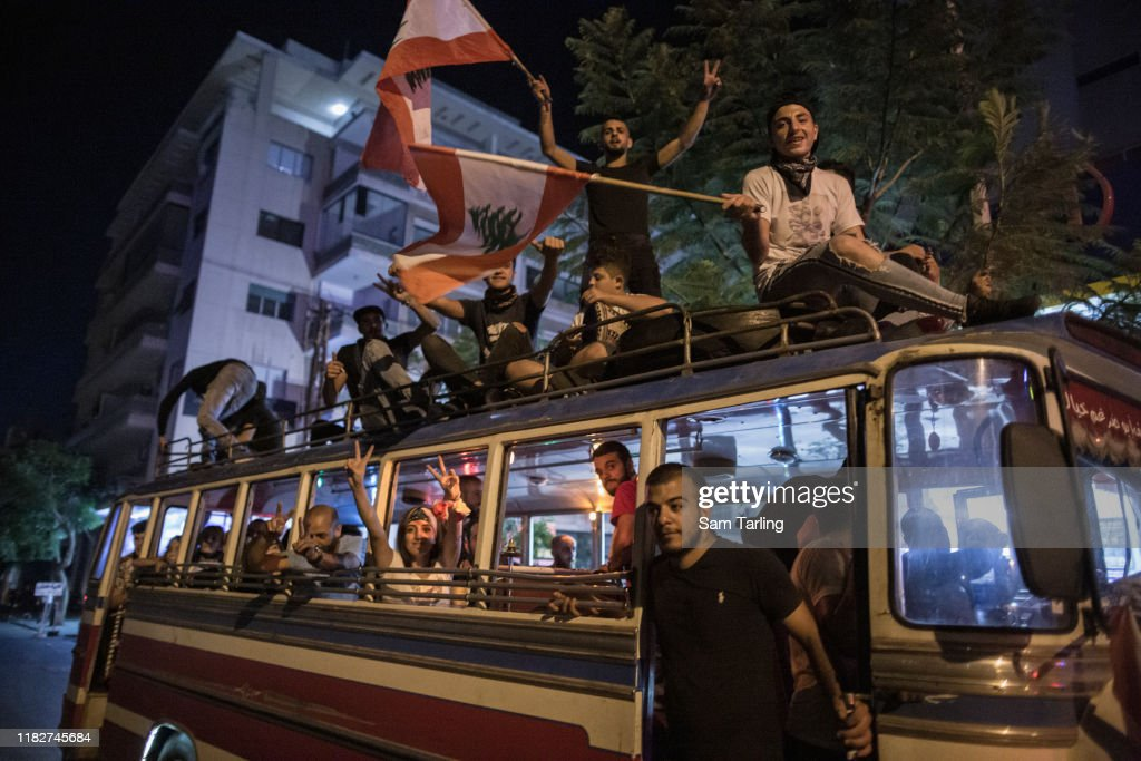 Protests Continue After Lebanon's Government Tried To Raise Taxes : ニュース写真