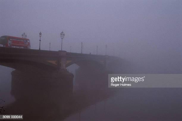 Bus on Battersea Bridge