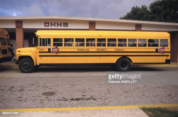 Bus scolaire de St. Petersburg en Floride, Etats-Unis.
