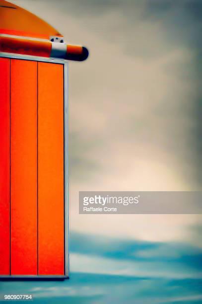 bus stop - raffaele corte foto e immagini stock