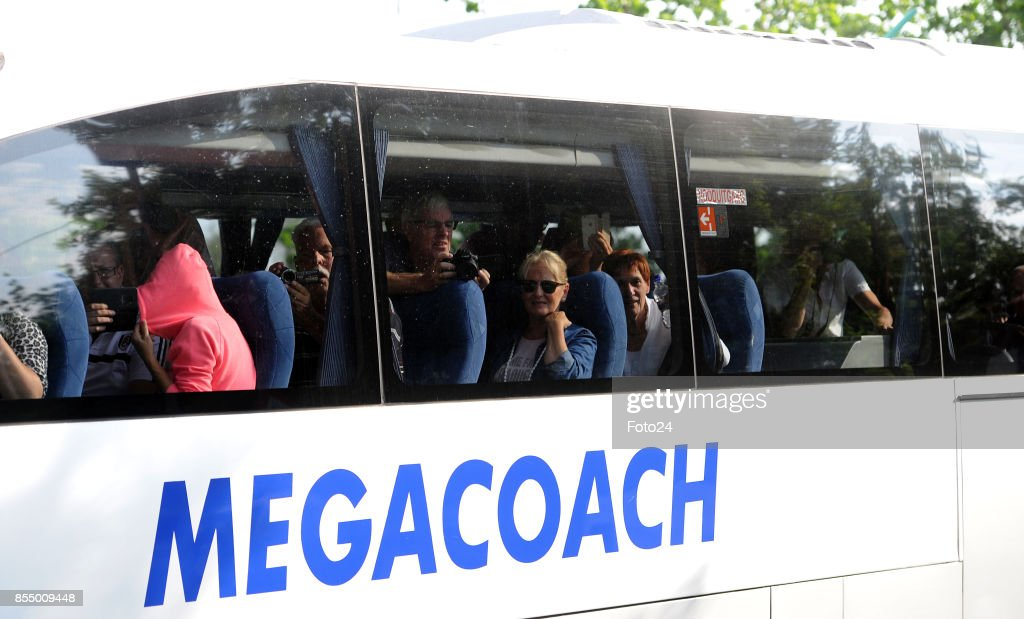 Nightmare holiday: Dutch tourists robbed in bus from South African Airport