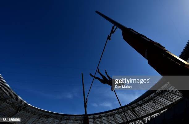 Buse Arikazan of Turkey competes in the Womens Pole Vault during day six of Baku 2017 4th Islamic Solidarity Games at the Baku Olympic Stadium on May...