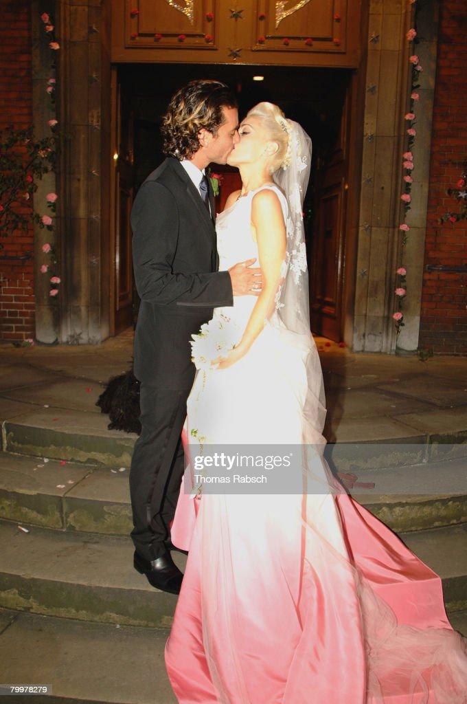 Gwen Stefani and Gavin Rossdale Wedding on Saturday, September 14, 2002 : News Photo