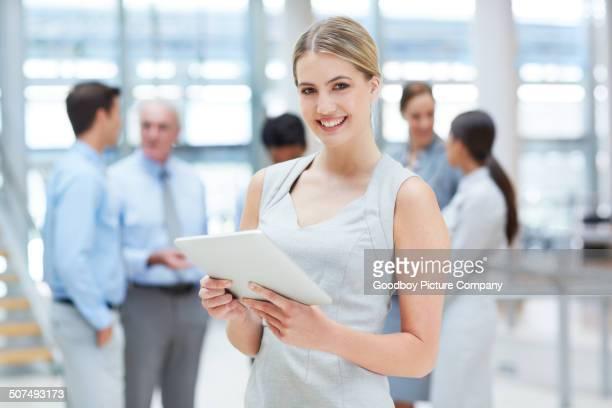 ビジネスのアドバイスから技術 - さまざまな年齢層 ストックフォトと画像