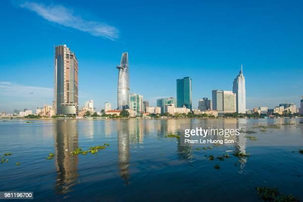 business and administrative district of saigon - ho chi minhstad stockfoto's en -beelden
