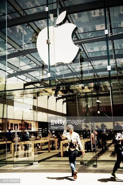 business: apple store der in santa monica, kalifornien. - apple logo stock-fotos und bilder