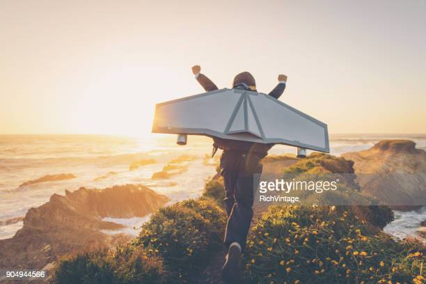 business boy with jet pack in california - volare foto e immagini stock