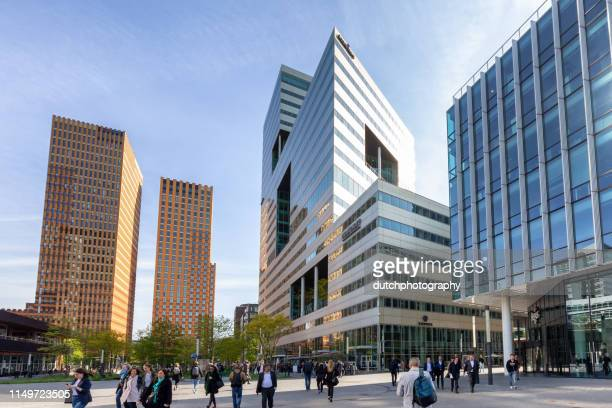 business district of amsterdam - amsterdam stock pictures, royalty-free photos & images