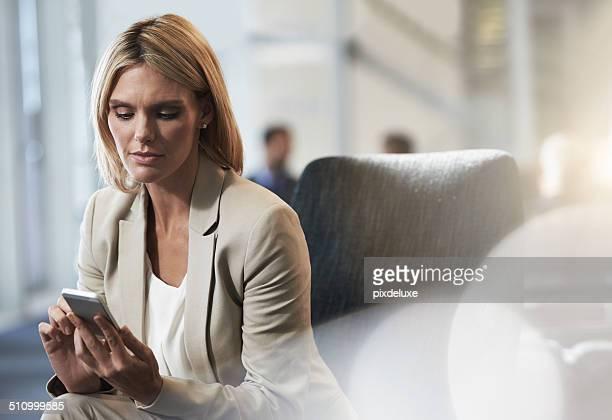 ビジネスのお客様には、ヤシた彼女の手