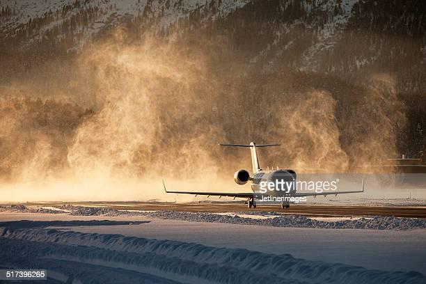 Business Jet, die verschneiten airfield