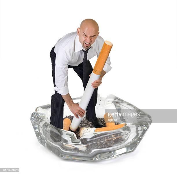 Negocio hombre gritando el tabaquismo