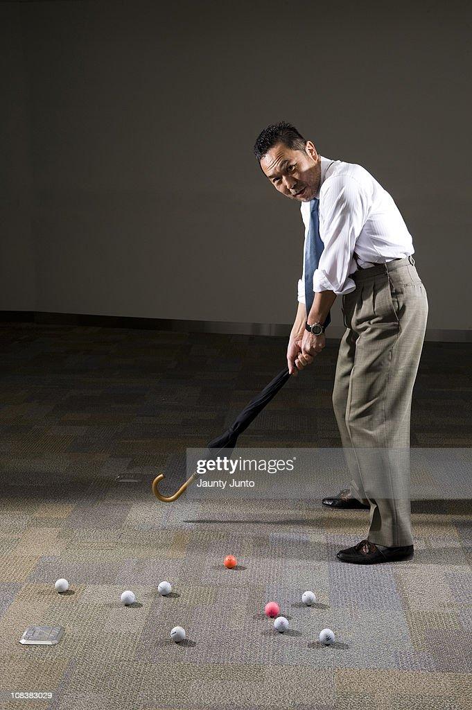 """数字、言葉遣い……日常に潜む""""ゴルフ病""""にかかった人々"""