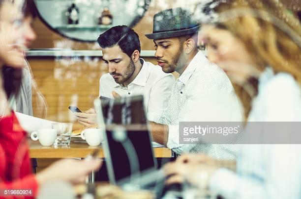Business-meeting in die Kaffee-bar