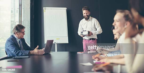 Business-meeting im Tagungsraum