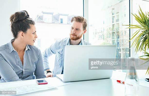 business meeting. - fel verlicht stockfoto's en -beelden