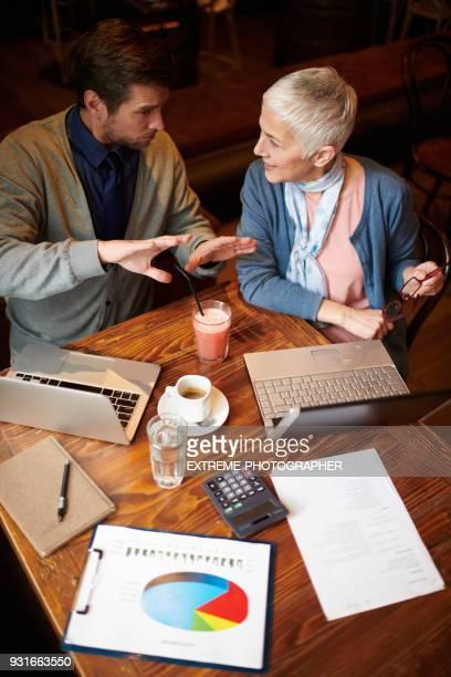 business-meeting - kaltes getränk stock-fotos und bilder