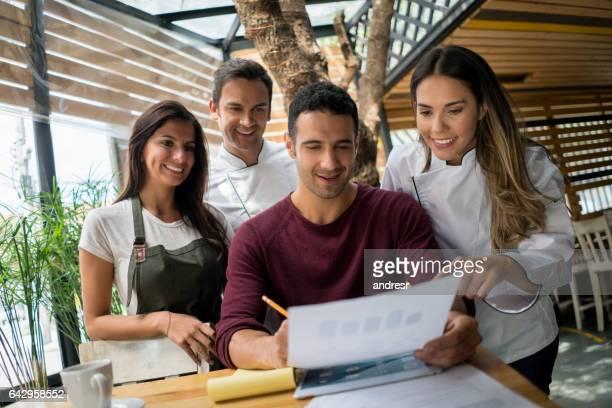 Unternehmer, die Arbeit an einem Business-Plan für sein restaurant