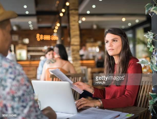 business Personen im Meetingraum