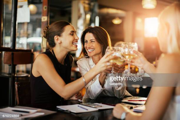 business people having a drink - the brunch stock pictures, royalty-free photos & images