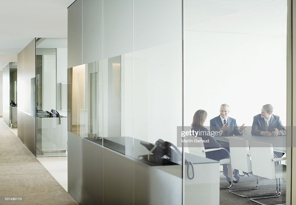 Business people having meeting in conference room : Stockfoto