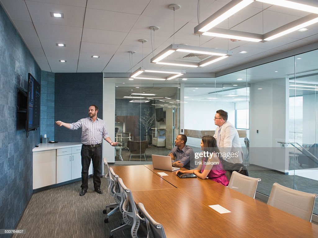 Business people having meeting in conference room : Foto stock