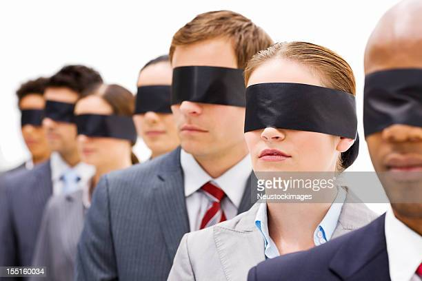 Gens d'affaires en Blindfolds