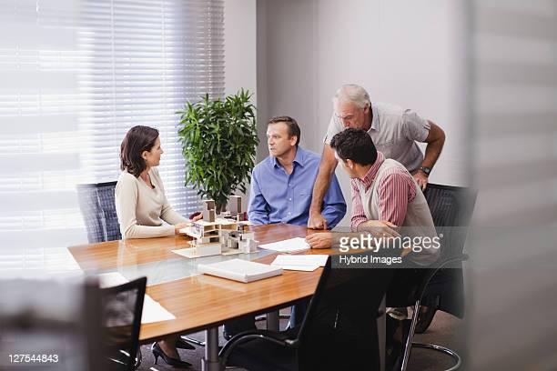 business people in meeting - voorzitter stockfoto's en -beelden