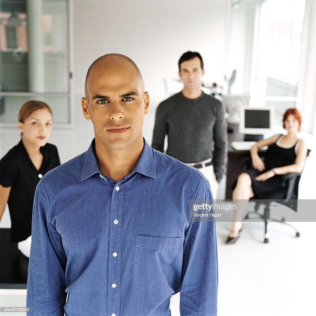 Business people in office, portrait : Stockfoto