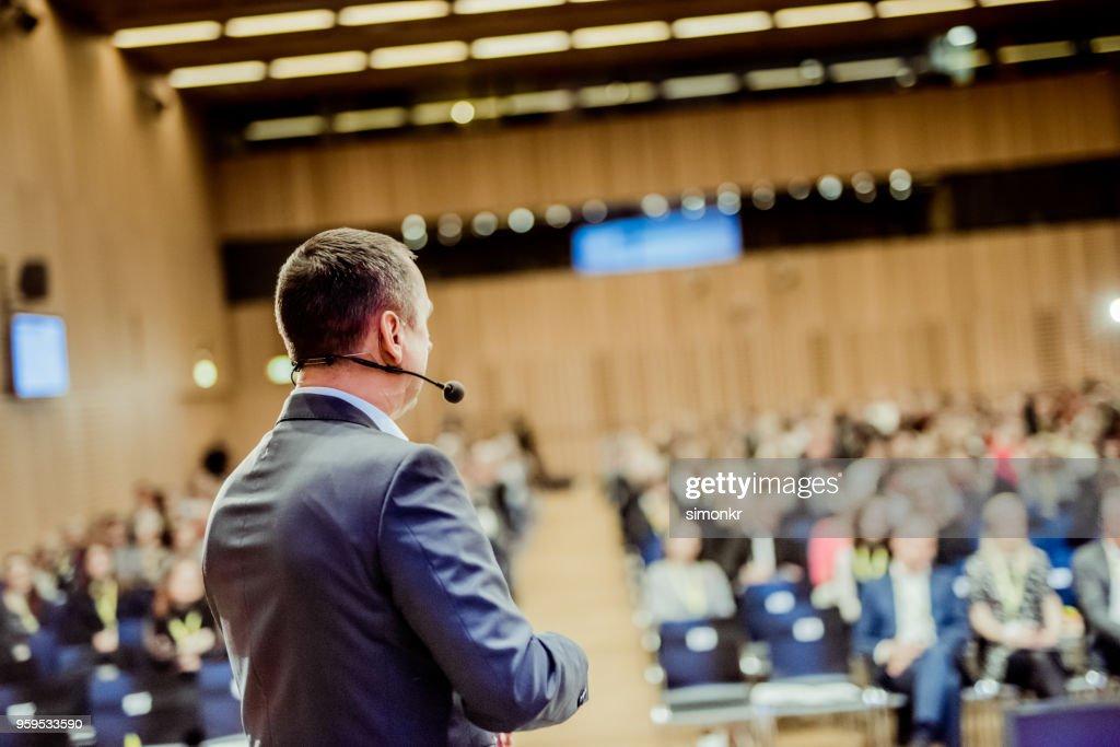 Geschäftsleute im Seminar im auditorium : Stock-Foto