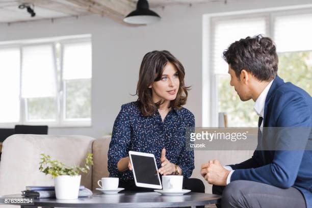 Geschäftsleute Treffen in einem Café
