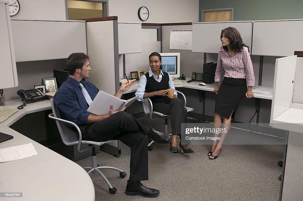 Business people talking : Stockfoto