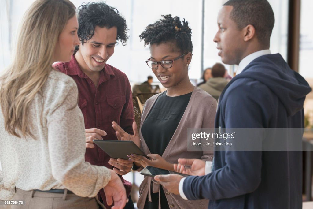 Business people using digital tablet in office : Foto stock