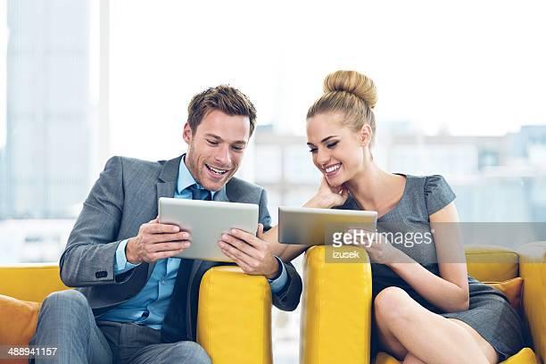 ビジネスの人々のデジタルタブレット