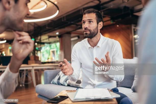面接のビジネスパーソン - リクルーター ストックフォトと画像