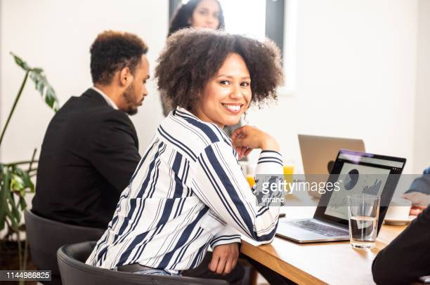 business presentation - financial analyst stock pictures, royalty-free photos & images