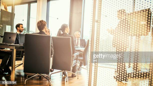 business presentation - executive director stock pictures, royalty-free photos & images