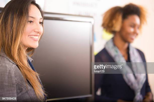 business presentation, speakers at meeting. - american tv presenters stock pictures, royalty-free photos & images