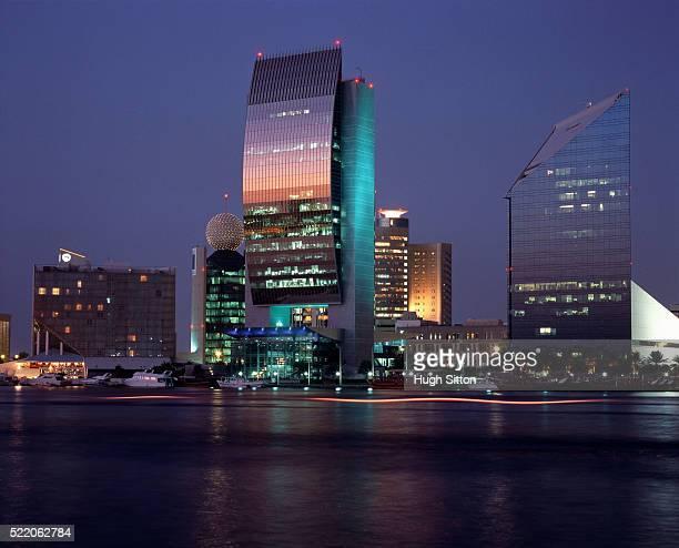 business quarter of dubai - hugh sitton 個照片及圖片檔