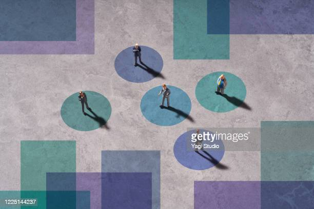 business social distance - five people stock pictures, royalty-free photos & images