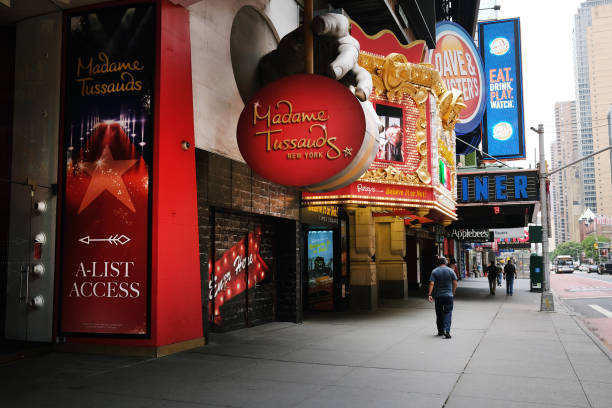 NY: New York's Iconic 42nd St. Remains Mostly Empty, Shuttered