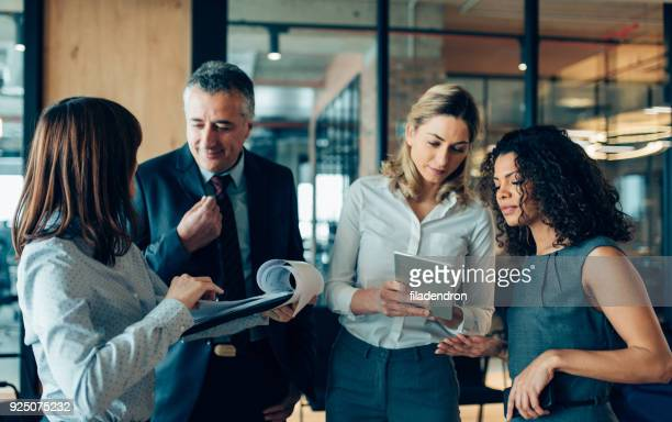 ビジネス戦略 - エグゼクティブディレクター ストックフォトと画像