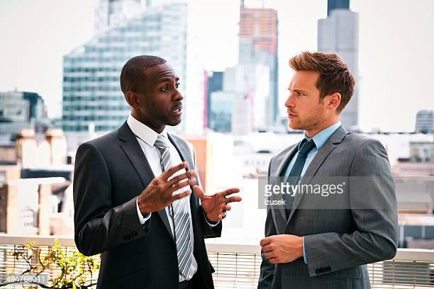 Habla de negocios