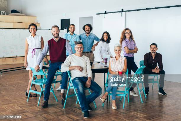 business team portrait - organised group photo stock pictures, royalty-free photos & images