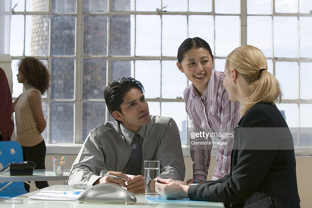 Business team talking : Stockfoto