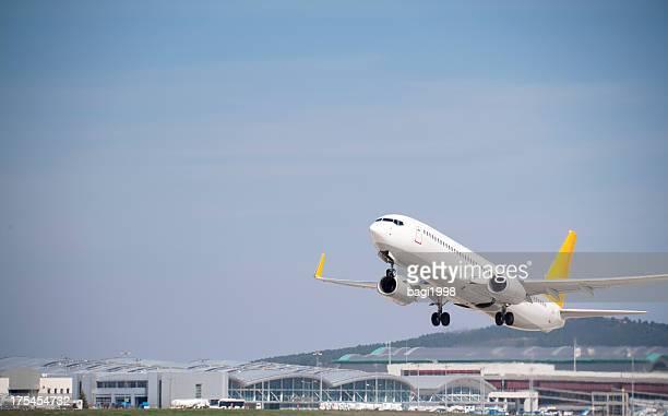 avión flying - carrying fotografías e imágenes de stock