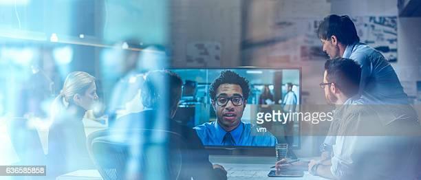 business video communication - blue film video stock-fotos und bilder