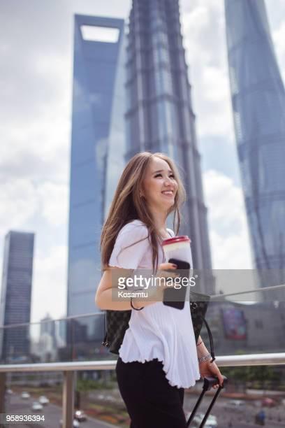 Femme d'affaires charme par Shanghai